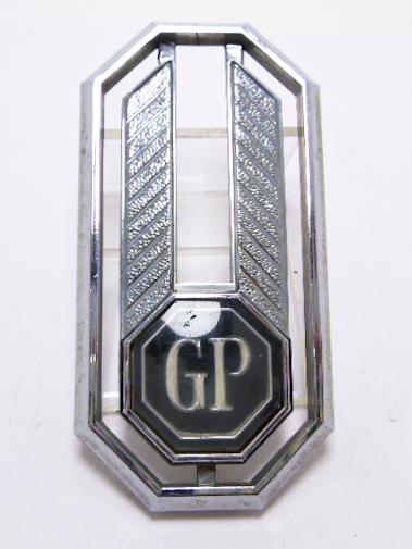 """Эмблема б/у """"GP"""" хром 89x45мм"""