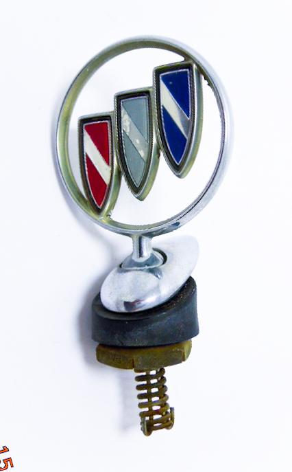 """Орнамент капота б/у """"Buick"""" хром цветной с базой"""