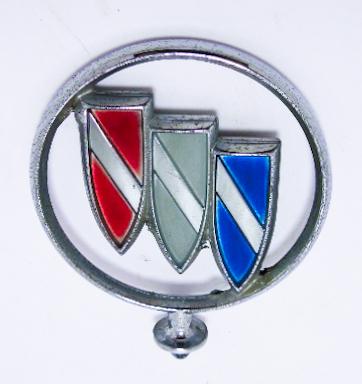 """Орнамент капота б/у """"Buick"""" хром цветной без базы"""